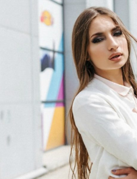 Modni predlozi iz Immo Outlet Centra: Elegantna i u odelu na maturi