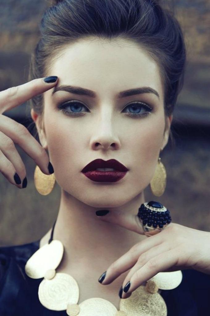 dugotrajnost karmina 1 Kako da vam karmin duže stoji na usnama