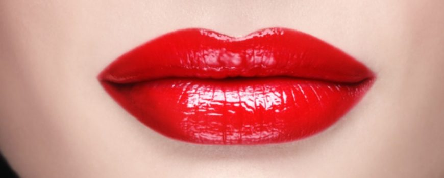 Kako da vam karmin duže stoji na usnama