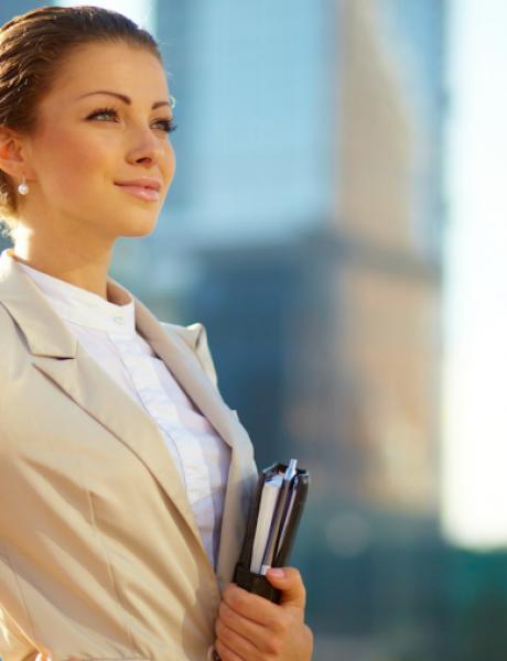 Vodič kroz poslovni stil: Frizure za leto