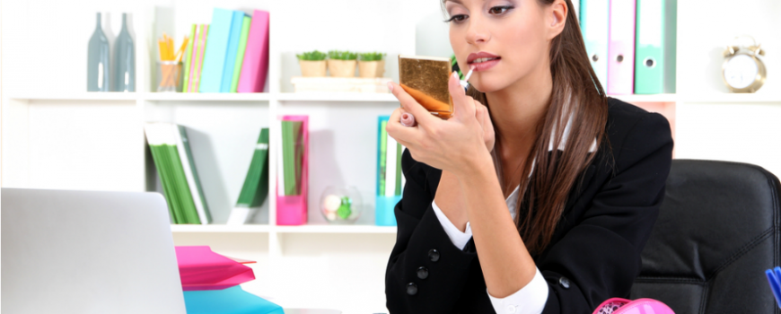 Vodič kroz poslovni stil: Kako da se našminkate za posao