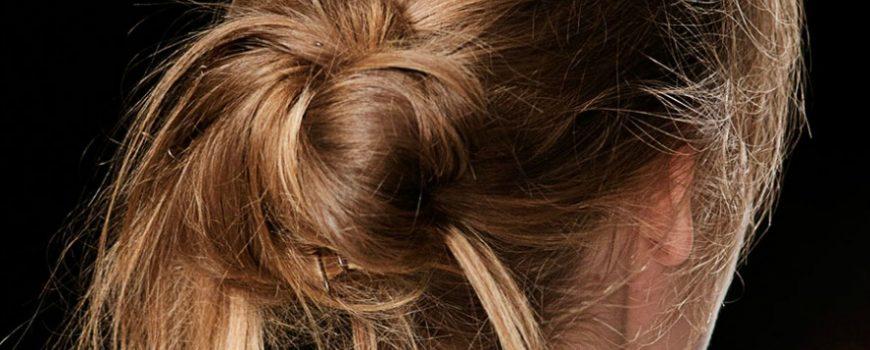 Moderne punđice za savršenu letnju frizuru
