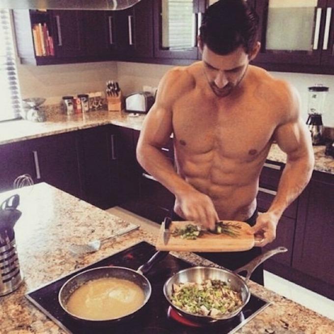 seksi frajeri sa instagrama 4 Da li biste volele da vam oni spreme romantičnu večeru?