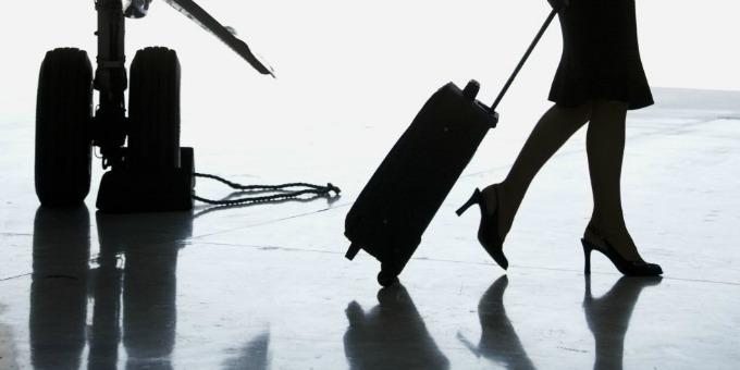 stjuardesa na aerodromu Stjuardese ne vole štikle