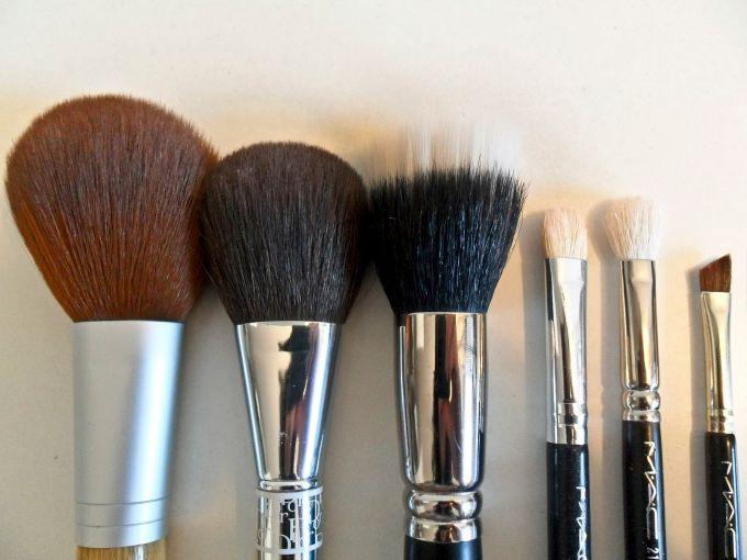 cetkice za sminku Šta možeš da uradiš sa šamponom osim pranja kose
