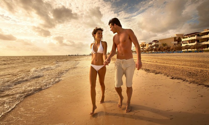 par na plaži Ljubavni horoskop za jul 2015.