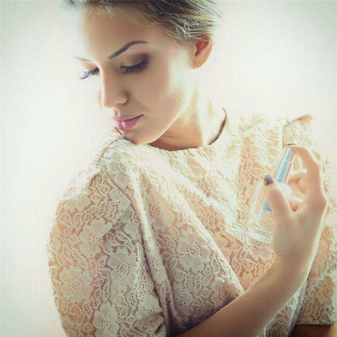 parfemisanje 1 Kako da parfem na tebi duže traje