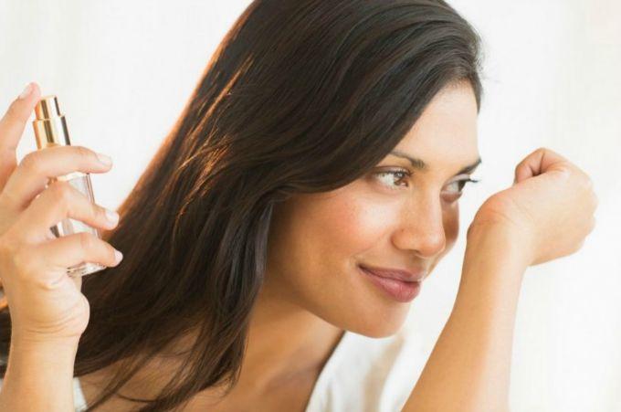 parfemisanje 3 Kako da parfem na tebi duže traje