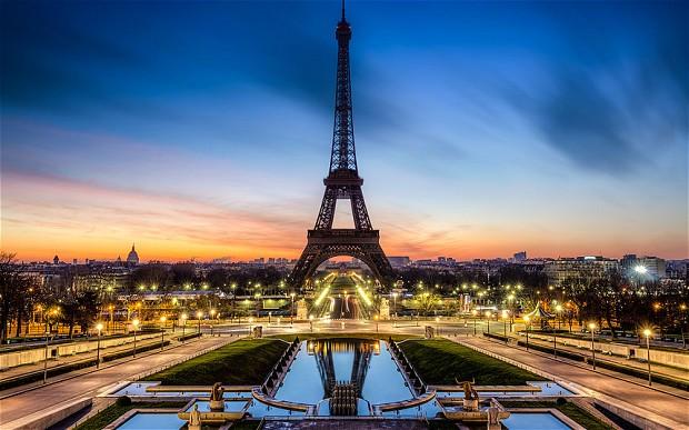pariz1 Molitva za ukidanje religije i politike