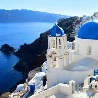 Santorini Greece low Kviz: Koja si domaća modna blogerka?