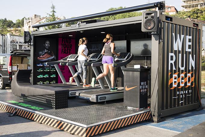 Zoom Lab karavan Zoom Lab u poseti Novosađanima