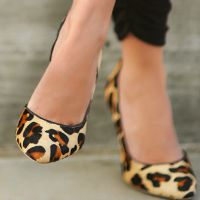 lace and locks petite fashion blogger harem pants leopard shoes leather jacket 07 Kviz: Koja si domaća modna blogerka?