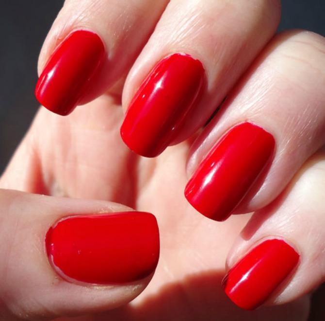 crveni lak Izaberi boju laka za nokte prema horoskopskom znaku