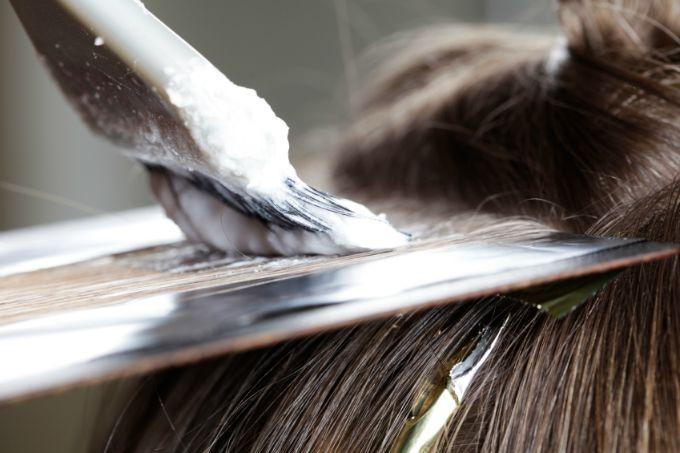 farbanje kose staklo 1 Ofarbajte svoju kosu uz pomoć stakla