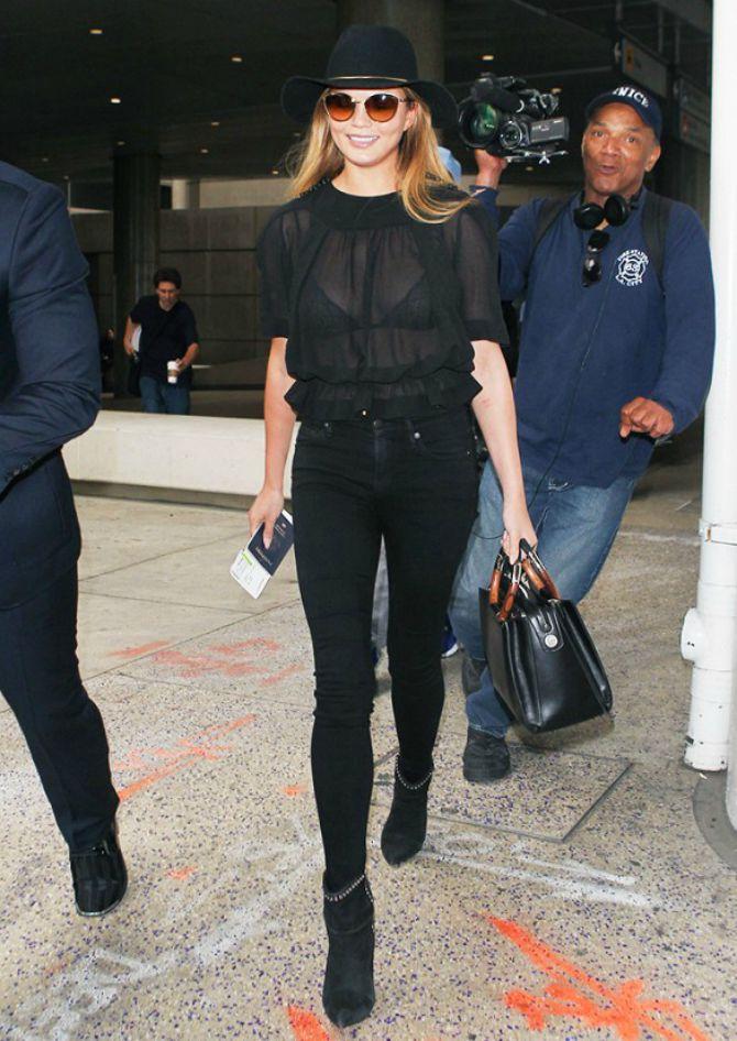 providna majica crne boje Kako da nosiš crno, a da ne izgledaš dosadno