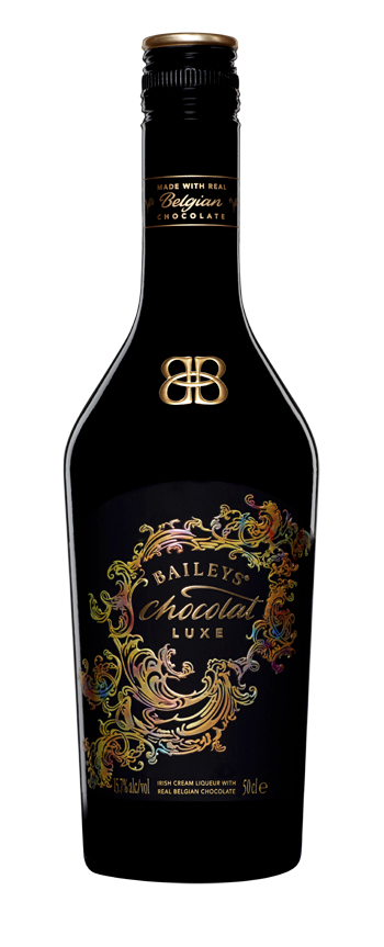 CHOCOLAT LUXE bottle front on transparent background Moj BAILEYS trenutak