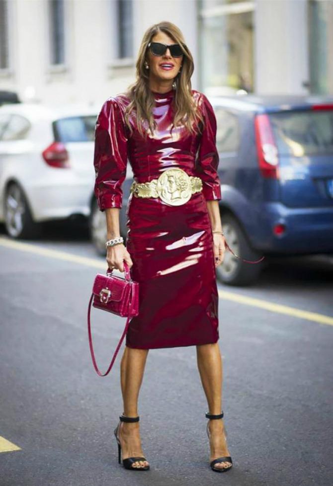 Kožna haljina u bordo boji Kožna odeća u boji je novi must have