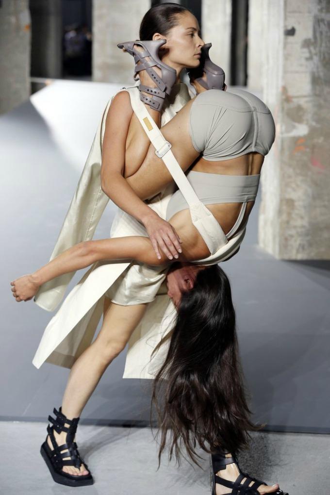 rick owens balmain pfw 2 Rick Owens i Balmain pokorili Paris Fashion Week