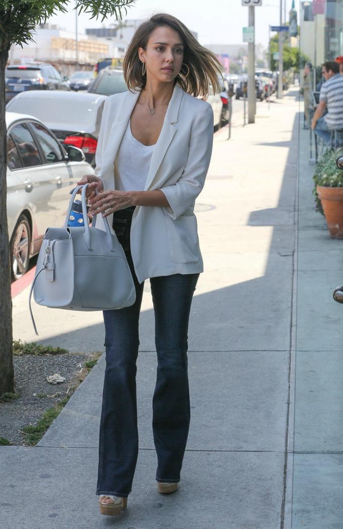 stil dzesike albe 1 10 odevnih kombinacija Džesike Albe koje smo i mi poželele da ponesemo