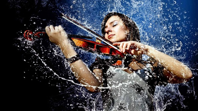 zena svira violinu Hobiji koji vas čine pametnijima