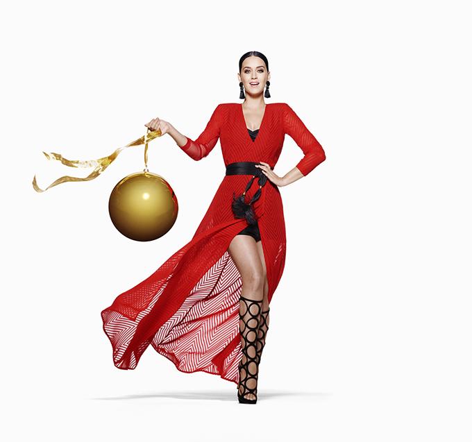 6125 112 Kejti Peri unosi modu, maštu i zabavu u H&M ovu spektakularnu prazničnu kampanju