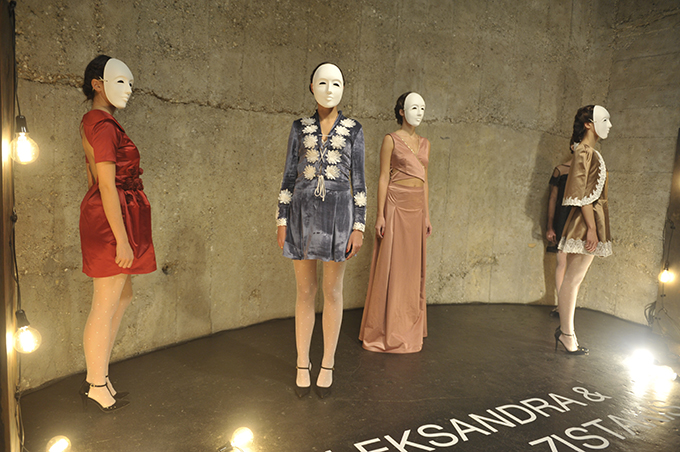 Aleksandra Yovana Zistakis 38. Black'nEasy Fashion Week: Jedinstveni modni izraz – Modne vinjete