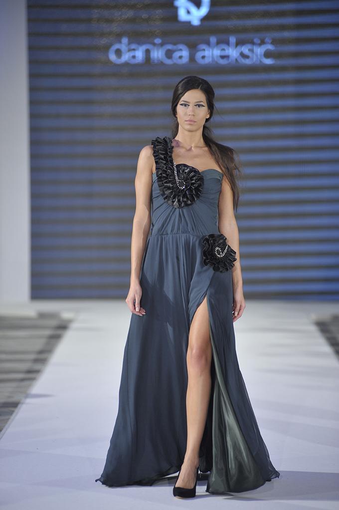 DJT5206 7. dan 38. Black n Easy Fashion Week a