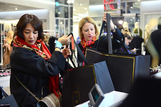 HM Balmain 01 Stazama sjaja, zlata i ekstravagancije kolekcija Balmain x H&M stigla u Srbiju