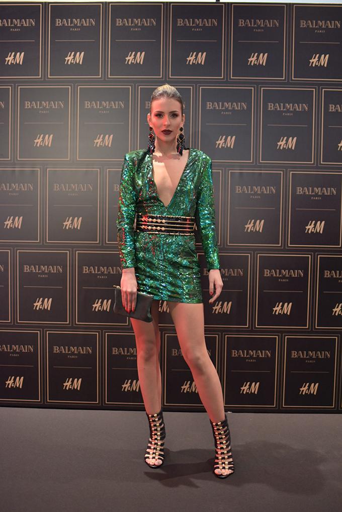 HM Balmain Anastasija Raznatovic Stazama sjaja, zlata i ekstravagancije kolekcija Balmain x H&M stigla u Srbiju