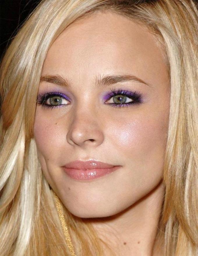 boja ajlajnera prema boji očiju 3 Kako da ajlajnerom istaknete oči na pravi način?