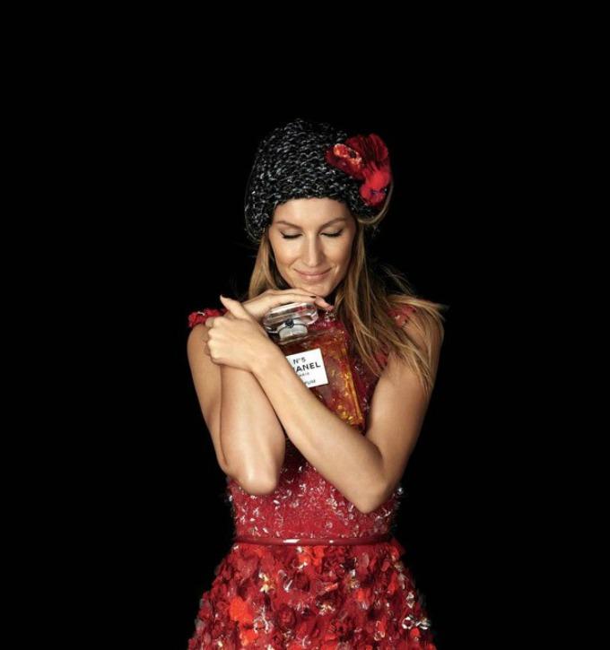 chanel no 5 11 Žizel Bundšen i Chanel: Da li je ovo beauty kampanja godine?