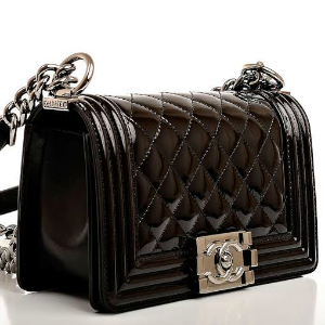 300 crna torba Kviz: Tvoj idealan outfit za novogodišnju noć