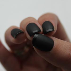 300 crni lak Kviz: Tvoj idealan outfit za novogodišnju noć
