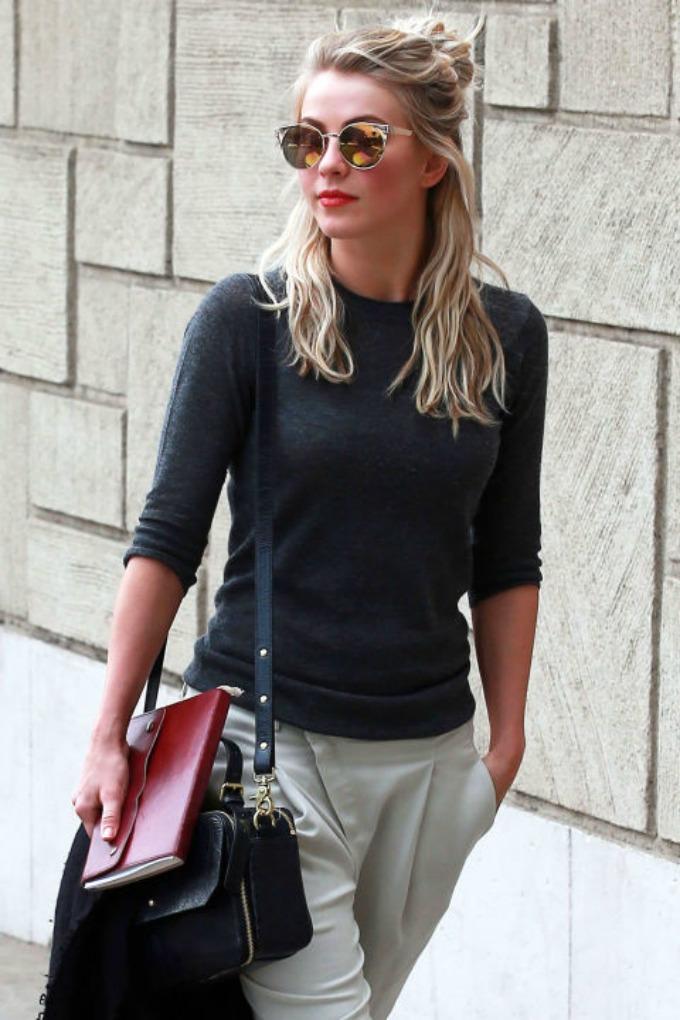 polupodignuta pundja 1 Savršena street style frizura: Polupodignuta punđa