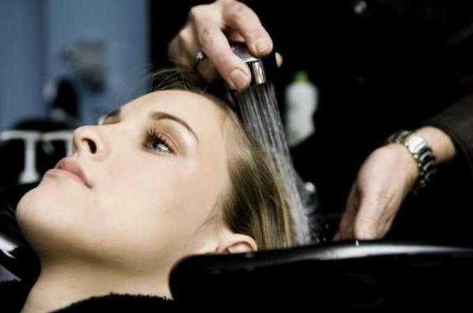 pravilno pranje kose 1 Da li pravilno perete kosu?