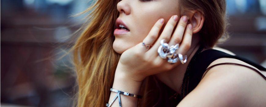 Kako da uskladiš nakit koji nosiš