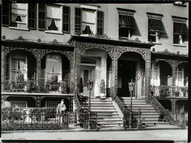 568ea0c42d6989295805d056 ornate street nyc old Retro fotografije Njujorka koje će vas oduševiti (GALERIJA)