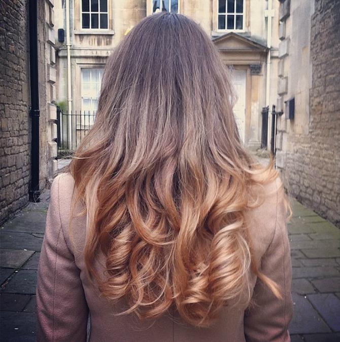 lorna burford curly blonde hair ghd straighteners flat iron how to Nova tehnika za uvijanje kose presom (VIDEO)