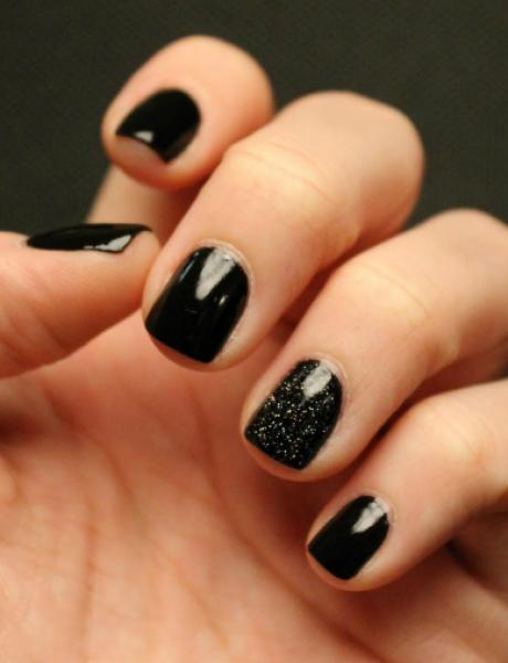 Boje lakova za nokte koje će ove godine ZAMENITI crnu