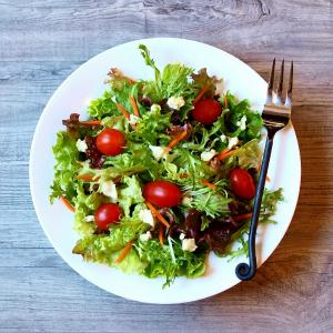 salata KVIZ: Na koju Kardašijan sestru NAJVIŠE ličiš?