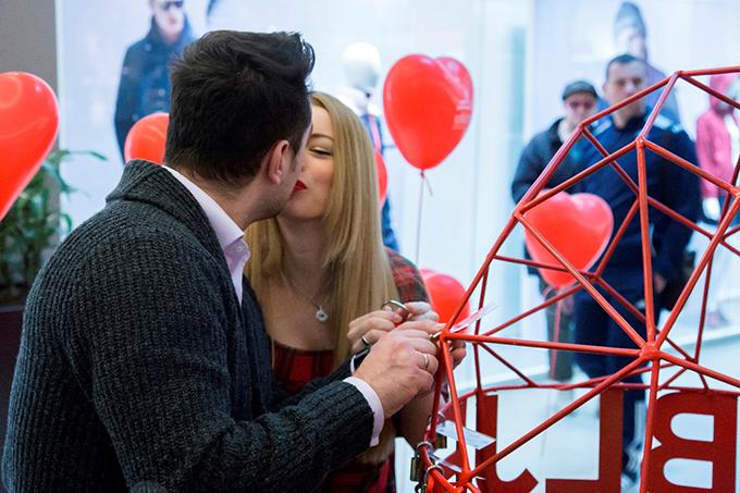 Danijela i Stefan Buzurovic Poznati parovi postavili prve ljubavne katance i otkrili kako su se upoznali