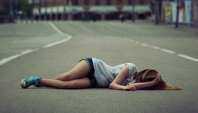I miss you broken heart girl sleep on road1 Faze koje treba da overite posle raskida