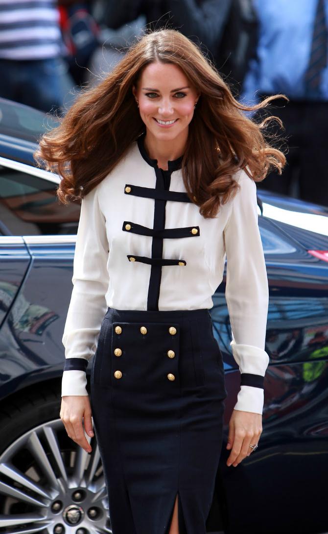 Mornar 1 Najlepše kombinacije Alexander McQueen koje je nosila Kejt Midlton