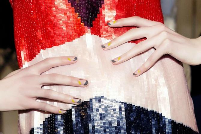Sareno1 Nove ideje za manikir: Nokti kao sa modne piste