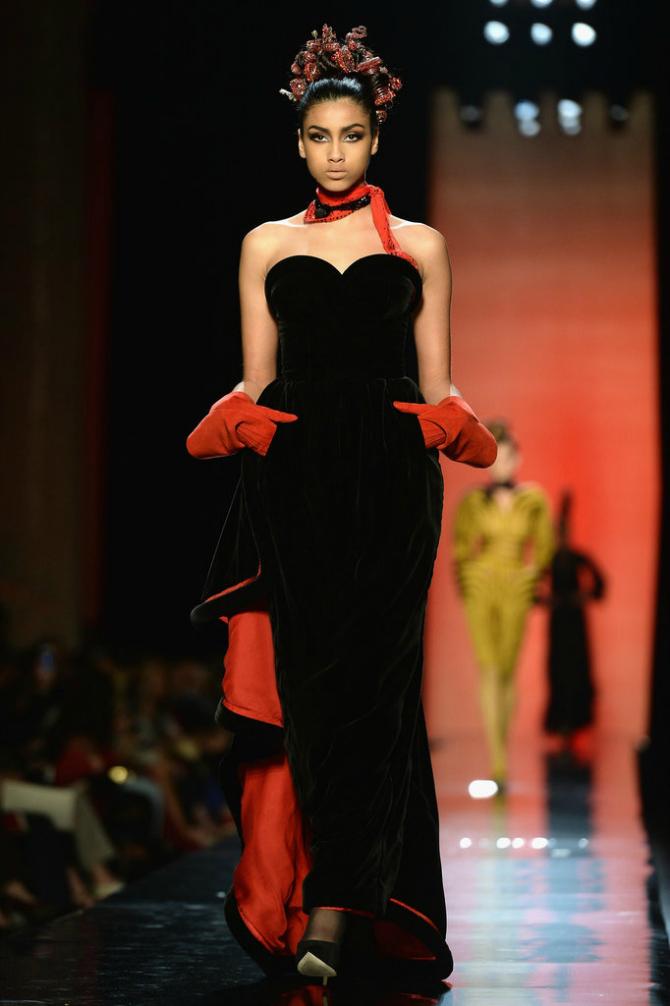Crveno1 Vaš nova omiljena manekenka: Iman Hamam