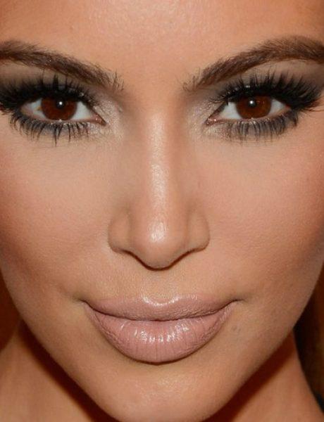 Kim Kardašijan nas uči kako da primenimo STROBING tehniku šminkanja (VIDEO)
