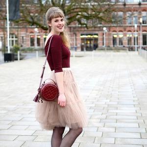 romanticno Kviz: Kakav manikir bi trebalo da nosiš ovog proleća?