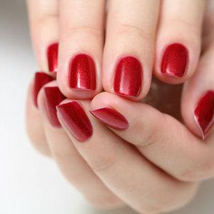 the right red nail polish medium new Kviz: Koji komad nakita ti NAJVIŠE odgovara?