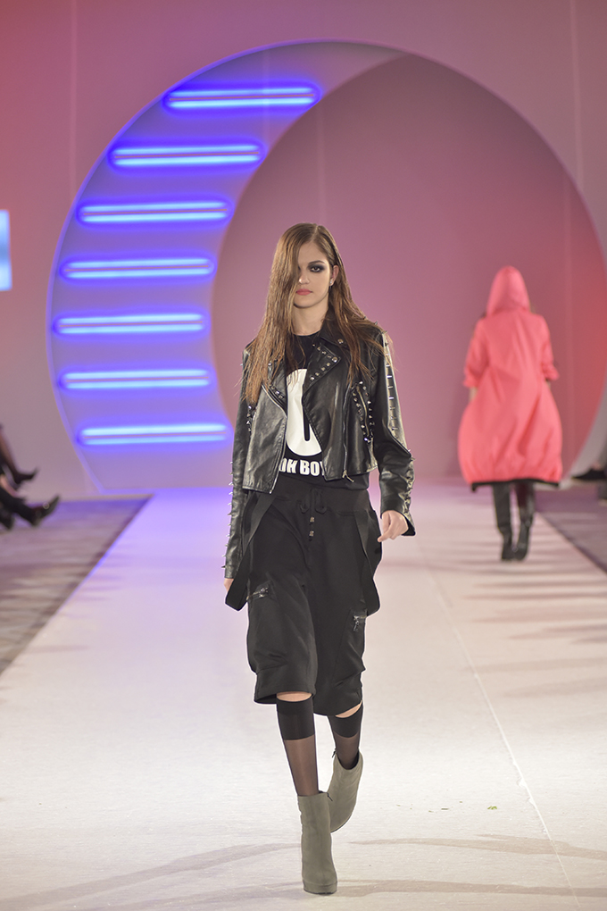 Iva Stefanović 5 39. Black'n'Easy Fashion Week: Tribute to David Bowie & MATES