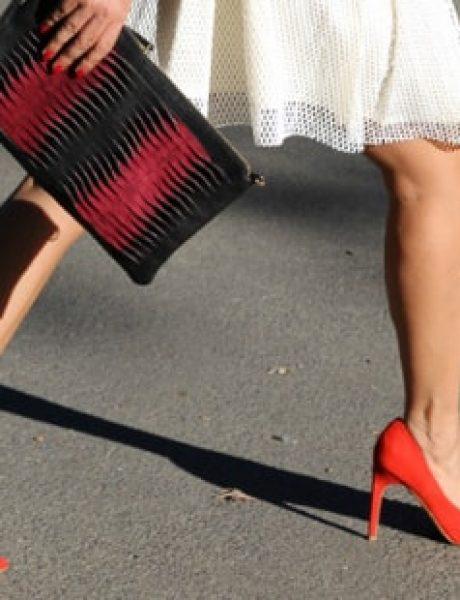 Kako da nosite cipele u BOJI ovog proleća